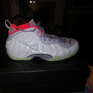 Nike limited foampossitte sz 12